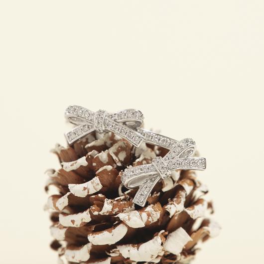 プチリュバンダイヤモンド リング